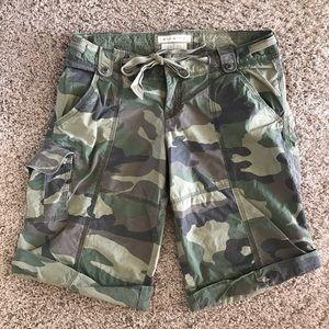 Women's Medium Abercrombie & Fitch camo shorts